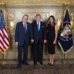 Zeman a Trump se opět nesešli. Jejich údajná společná fotografie pochází z muzea voskových figurín Madame Tussaud