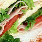 Ve městě v Texasu ožil v mikrovlnné troubě sendvič, nyní terorizuje obyvatele