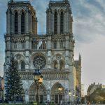K požáru katedrály Notre-Dame se přihlásily protestující kojící matky