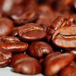 EU v tichosti nahradila českou kávu arabicou. Jde o další krok v islamizaci České republiky!